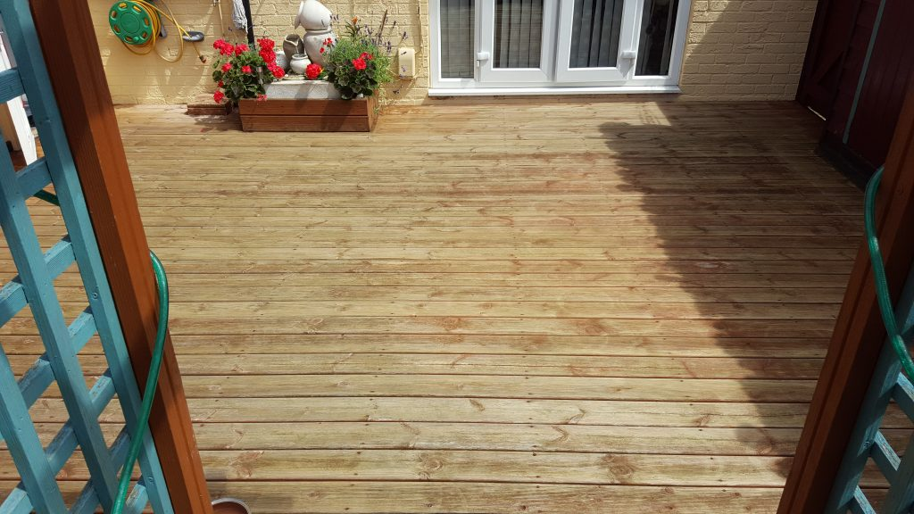 decking-before-staining