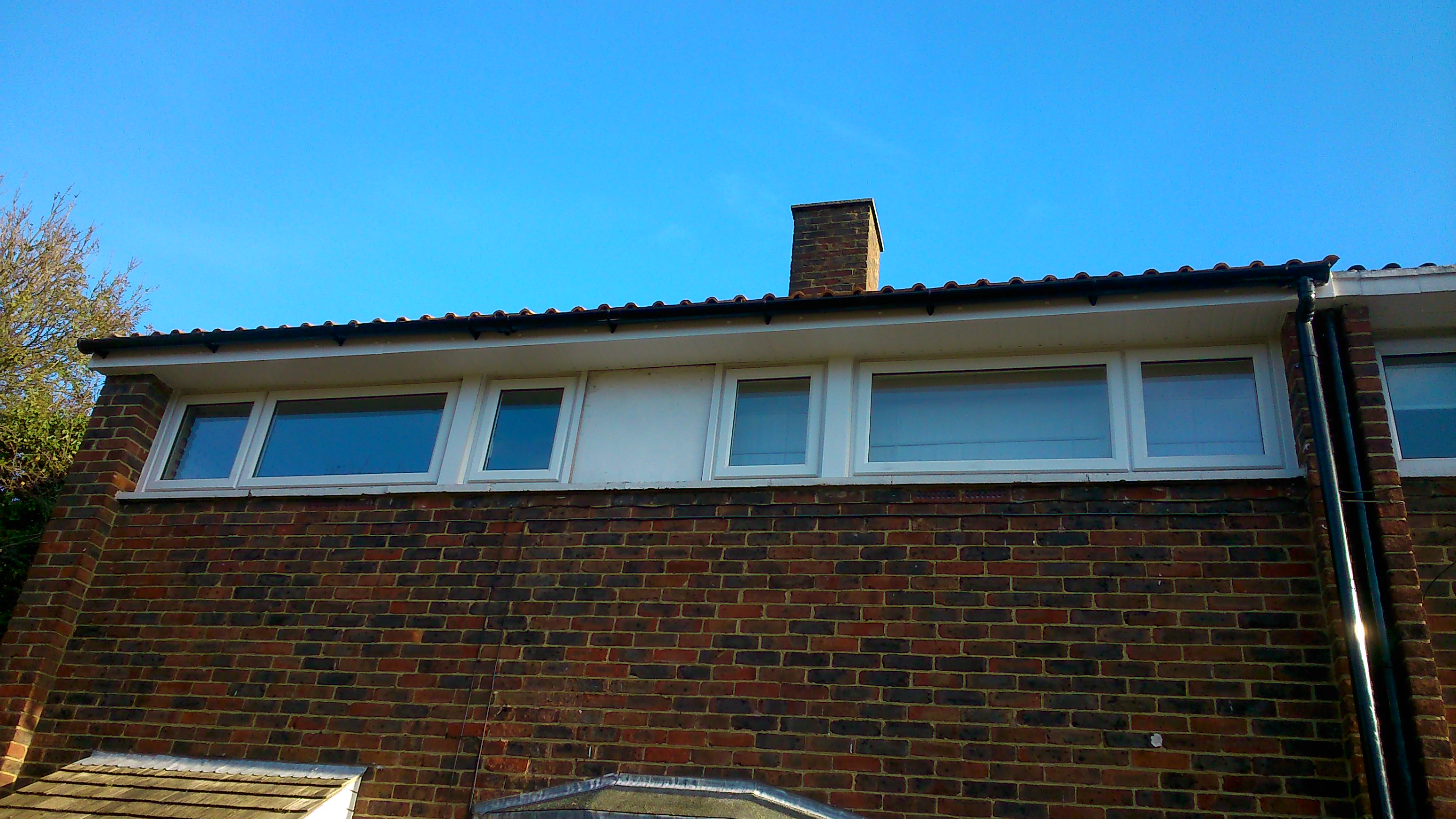 finlock-gutters-after-with-new-standalone-external-guttering