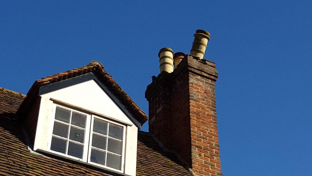 storm-damaged-chimney-pot